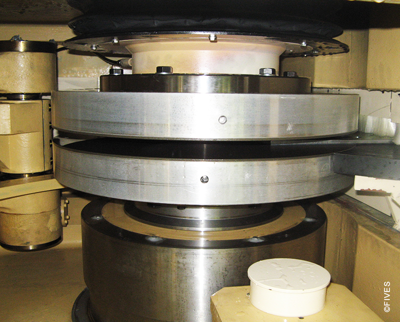 Fives - Surface Grinding